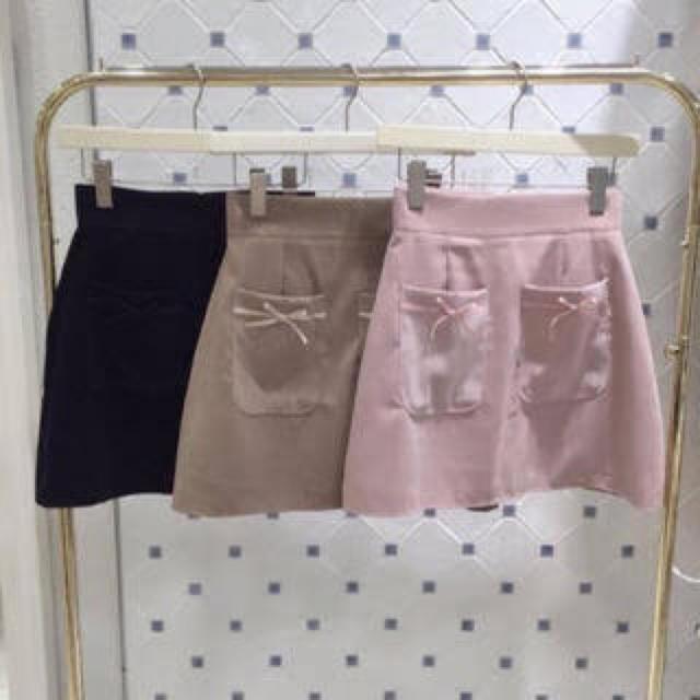 evelyn(エブリン)のスカート 前ポケットリボン レディースのスカート(ミニスカート)の商品写真