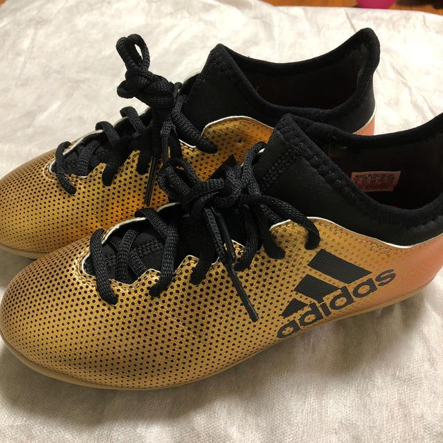 adidas(アディダス)のadidas    サッカースパイク 22.5cm スポーツ/アウトドアのサッカー/フットサル(シューズ)の商品写真