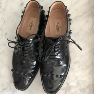 ドゥロワー(Drawer)のVALENTINO☆スタッズレースアップローファー(ローファー/革靴)