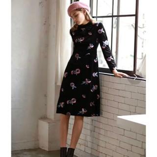 fur fur - lissi Boutique  ベロア花柄刺繍ワンピース ♡ブラック