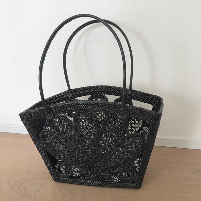 アシタバ アタ バッグ レディースのバッグ(かごバッグ/ストローバッグ)の商品写真