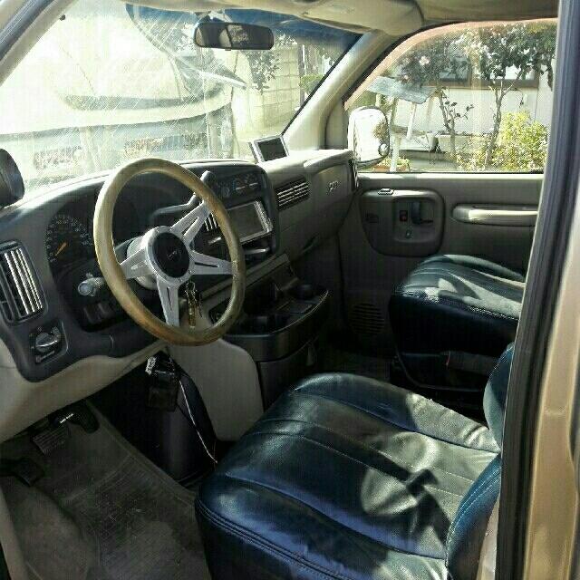 Chevrolet(シボレー)の①シボレーエクスプレス 元エアサス Cノッチ フルサイズバン 1ナンバー抹消 自動車/バイクの自動車(車体)の商品写真