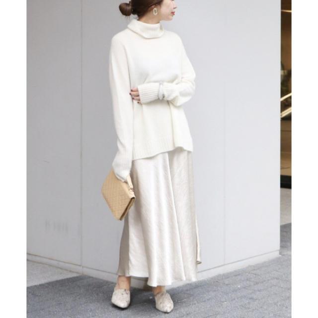 Plage(プラージュ)のサテンフレアスカート レディースのスカート(ロングスカート)の商品写真