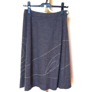 ヒューマンウーマン(HUMAN WOMAN)のヒューマンウーマン グレーステッチスカート(ひざ丈スカート)