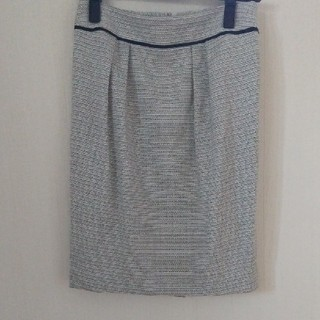 アンタイトル(UNTITLED)のツイードスカート(ライトグレー)(ひざ丈スカート)