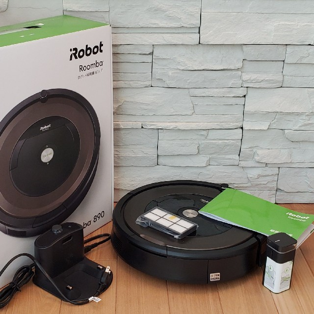 iRobot(アイロボット)の美品IRobot Roomba(ルンバ)890 スマホ/家電/カメラの生活家電(掃除機)の商品写真