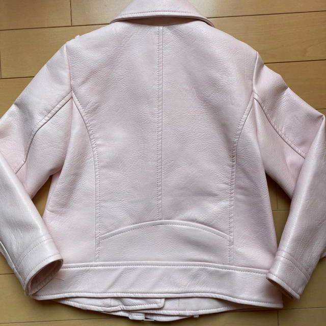 ZARA(ザラ)のZARA ライダースジャケット ピンク 116cm キッズ/ベビー/マタニティのキッズ服女の子用(90cm~)(ジャケット/上着)の商品写真