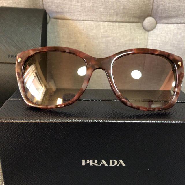 PRADA(プラダ)の新品タグ付き プラダ PRADA レディース サングラス レディースのファッション小物(サングラス/メガネ)の商品写真