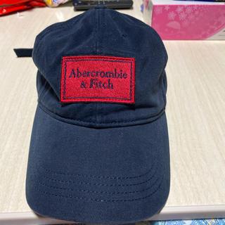 アバクロンビーアンドフィッチ(Abercrombie&Fitch)のアバクロ メンズキャップ ネイビー×レッド(キャップ)