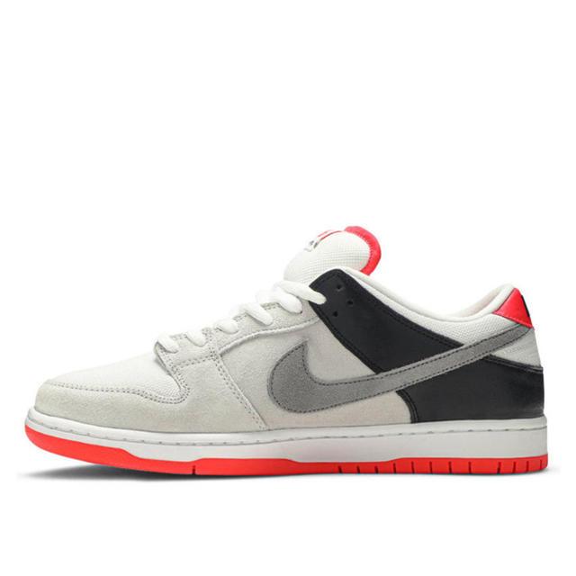 NIKE(ナイキ)のNIKE SB DUNK LOW INFRARED ORANGE LABEL メンズの靴/シューズ(スニーカー)の商品写真