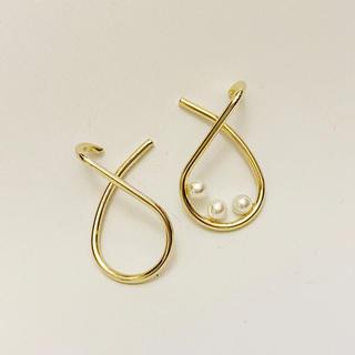トゥモローランド(TOMORROWLAND)のAsymmetry pearl earcuff No.289(イヤーカフ)