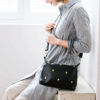 フェリシモ(FELISSIMO)の星刺繍ショルダーバッグ(ショルダーバッグ)
