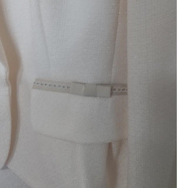 ニッセン(ニッセン)のひまわり様専用 セレモニースーツ ポケットリボン白ジャケット レディースのフォーマル/ドレス(スーツ)の商品写真