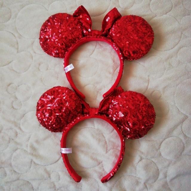 Disney(ディズニー)のディズニーリゾート ミニーちゃんスパンコールカチューシャセット 赤 レディースのヘアアクセサリー(カチューシャ)の商品写真