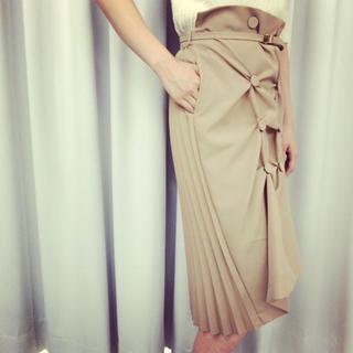 トーガ(TOGA)のcleana トレンチプリーツスカート(ひざ丈スカート)