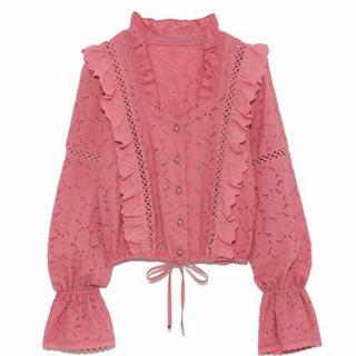 Lily Brown - 【値下げ】リリーブラウン コットン刺繍ブラウス ピンク 美品