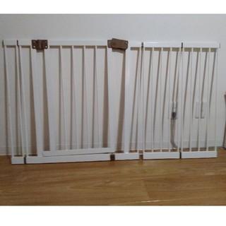 ニホンイクジ(日本育児)の日本育児 ベビーゲート メタルゲート(ベビーフェンス/ゲート)
