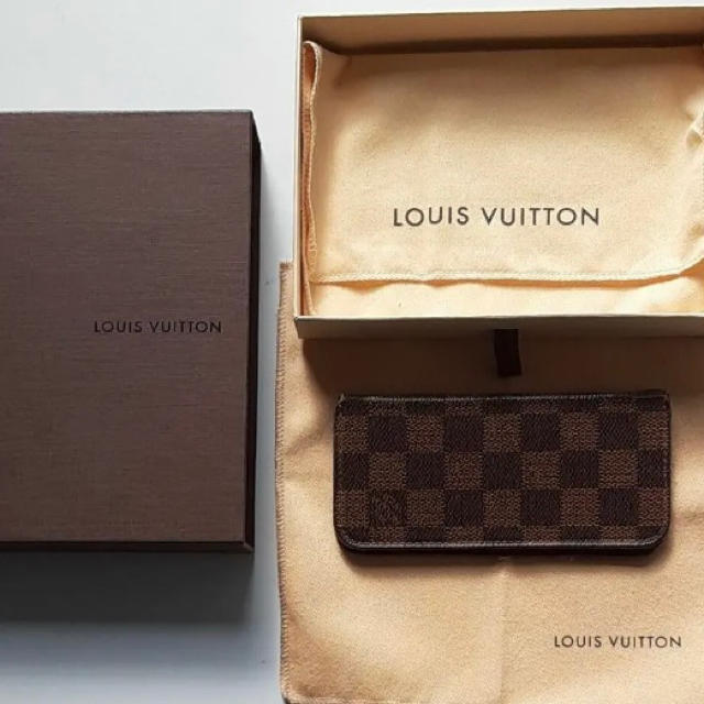 LOUIS VUITTON -  週末限定SALE✨ LOUIS VUITTON iPhoneカバーの通販