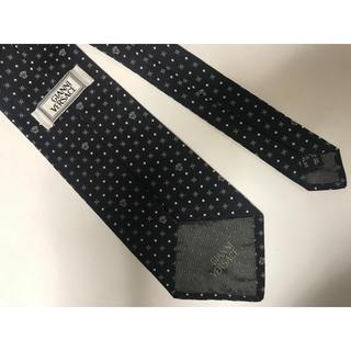 ジャンニヴェルサーチ(Gianni Versace)のGIANNI VERSACE ジャンニヴェルサーチ ネクタイブラックシルバー黒銀(ネクタイ)