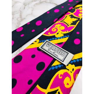 ジャンニヴェルサーチ(Gianni Versace)の即購入OK!3本選んで1本無料!ヴェルサーチ Versace ネクタイ 1874(ネクタイ)