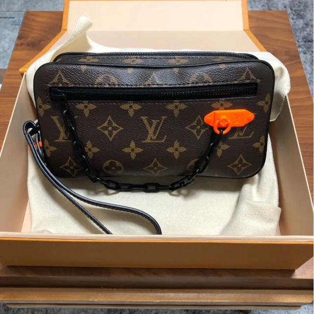 LOUIS VUITTON(ルイヴィトン)のルイヴィトン クラッチ 新品未使用品  メンズのバッグ(セカンドバッグ/クラッチバッグ)の商品写真