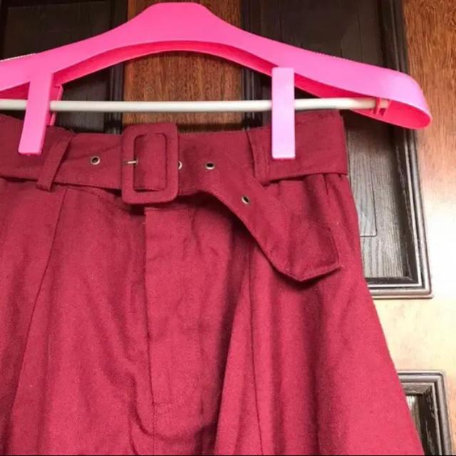 しまむら(シマムラ)の値下げ!送料込! レッド フレアスカート  ベルト付き 美品★ レディースのスカート(ひざ丈スカート)の商品写真