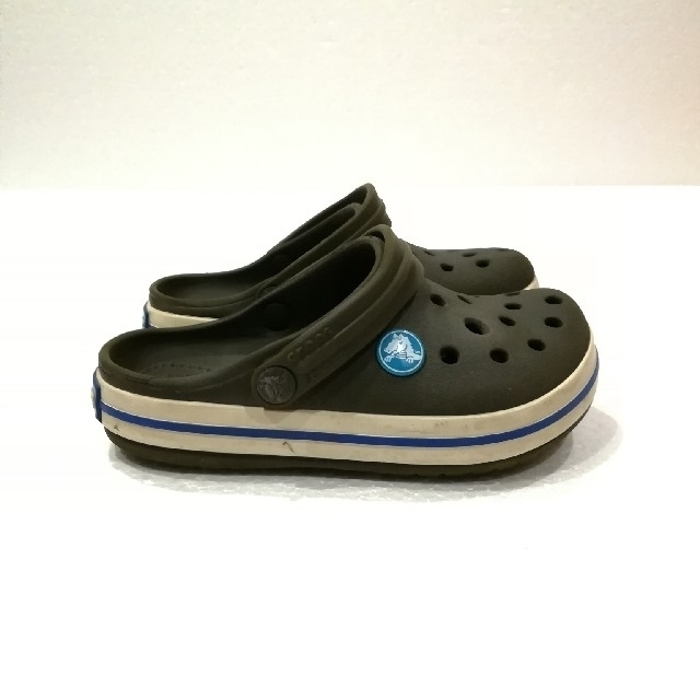 crocs(クロックス)のcrocs サンダル 男の子 キッズ/ベビー/マタニティのキッズ靴/シューズ(15cm~)(サンダル)の商品写真