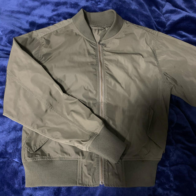 GU(ジーユー)のGU  MA_1ジャケット レディースのジャケット/アウター(ミリタリージャケット)の商品写真