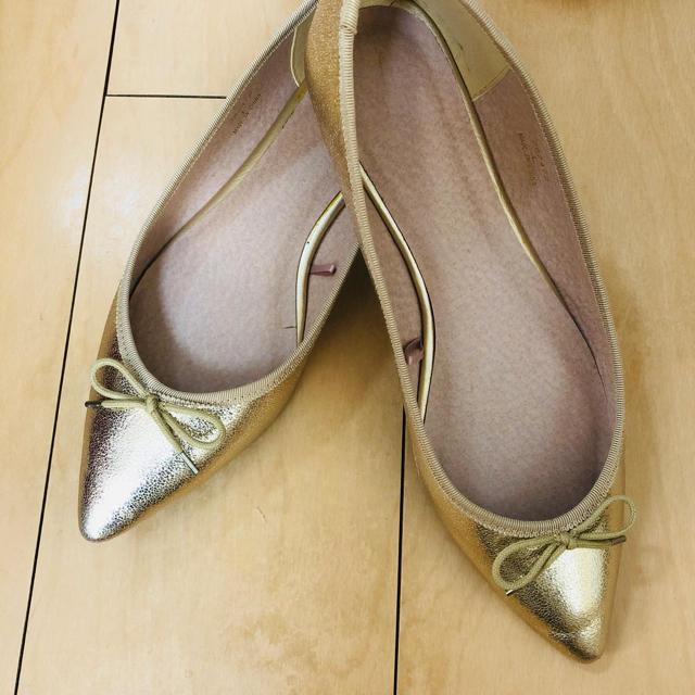 GU(ジーユー)のジーユー バレエシューズ ゴールド Lサイズ レディースの靴/シューズ(バレエシューズ)の商品写真