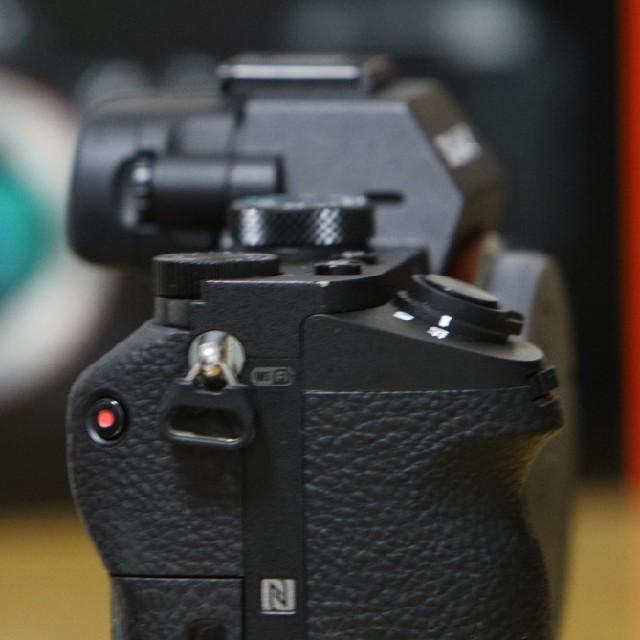 SONY(ソニー)のsony α7ii ボディ スマホ/家電/カメラのカメラ(ミラーレス一眼)の商品写真