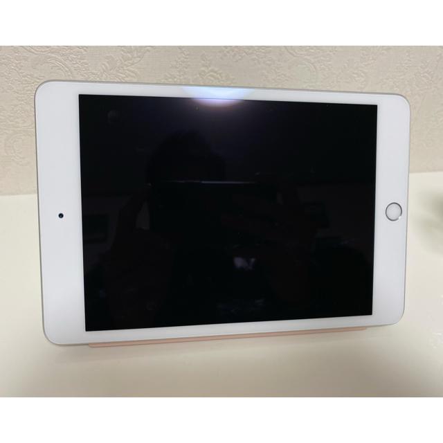 iPad(アイパッド)のiPad mini 第5世代 Wi-Fiモデル 64GB シルバー 美品 スマホ/家電/カメラのPC/タブレット(タブレット)の商品写真
