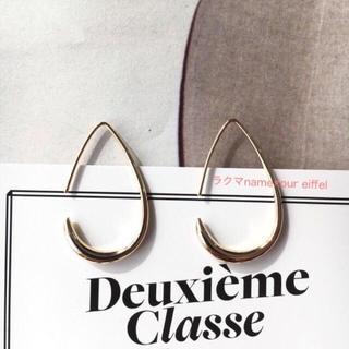 H.P.FRANCE - 限定価格! 新品 ドゥーズィエムクラス 18kgf ゴールド 曲線美ピアス