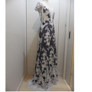 タダシショウジ(TADASHI SHOJI)のTadashi Shojiタダシショージ 綺麗な白レース・グレーのドレス2(ロングドレス)