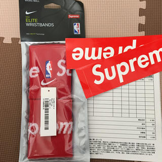 シュプリーム(Supreme)のSupreme Nike NBA Wristbands 新品 赤(バングル/リストバンド)