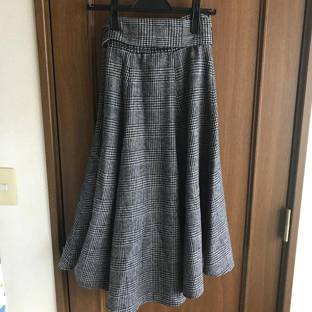 Mila Owen(ミラオーウェン)のウエストゴムシャーリングフレアスカート レディースのスカート(ひざ丈スカート)の商品写真