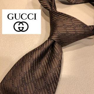 Gucci - 【レア】GUCCI イタリア製最高級シルク100%ネクタイ ブラウン GGマーク