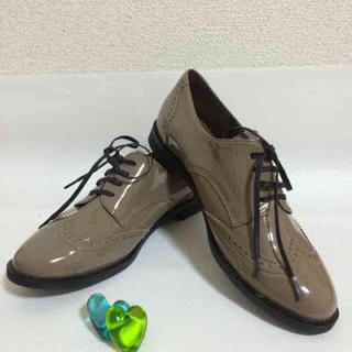 アールアンドイー(R&E)の新品R&Eレースアップシューズおじ靴革靴紐くつレディースローヒールぺたんこ(ローファー/革靴)