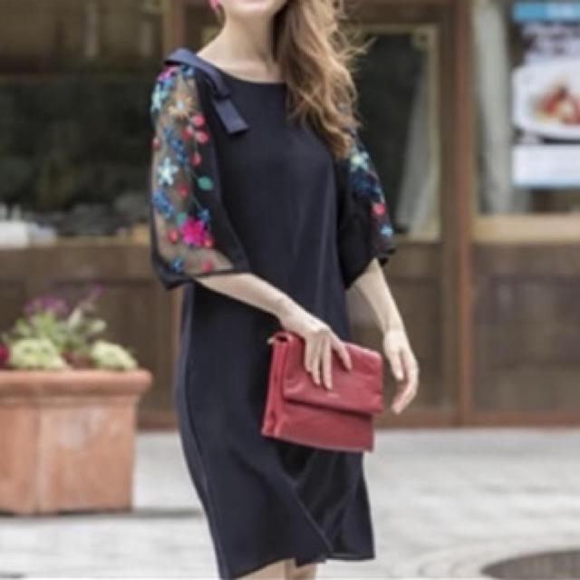 tocco(トッコ)のまいやん 着用 袖 刺繍ワンピース レディースのワンピース(ひざ丈ワンピース)の商品写真