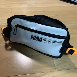 PUMA - 新品タグ付き PUMA プーマ ウエストポーチ 白 ランニングポーチ