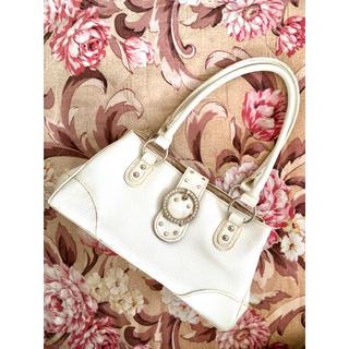 4℃ - ホワイト 白 ラインストーン バックル 合皮 ハンドバッグ
