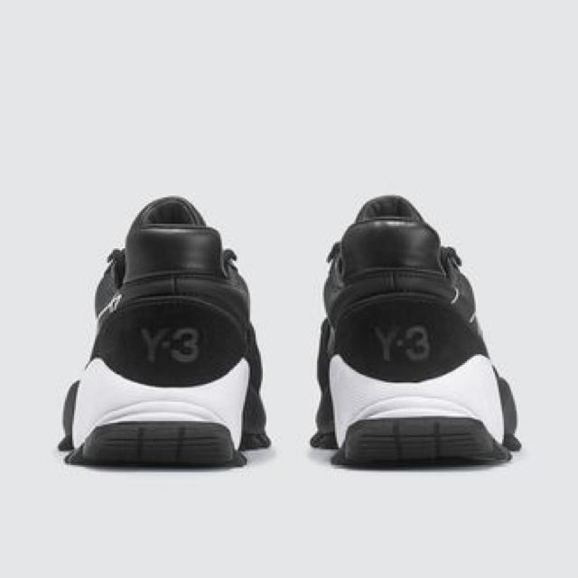 Y-3(ワイスリー)のY-3 ワイズリー Kyoi Trailスニーカー メンズの靴/シューズ(スニーカー)の商品写真