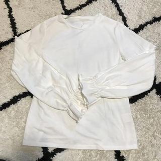 アベイル(Avail)の袖フリルトップス(Tシャツ(長袖/七分))