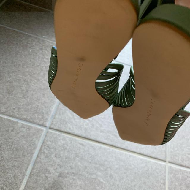 ZARA(ザラ)のZARA WOMAN ケージ風スリングバックフラットシューズ 38 レディースの靴/シューズ(ミュール)の商品写真