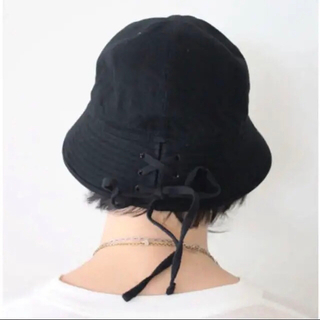 17ss UNUSED Lace up hat Black