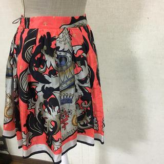 ミュウミュウ(miumiu)のmiu  miu スカート(ひざ丈スカート)