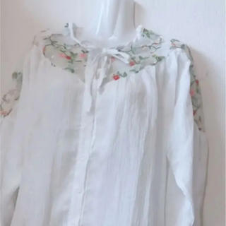 シースルー 花柄 ブラウス ホワイト 韓国 ファッション アイズワン 春服(シャツ/ブラウス(長袖/七分))