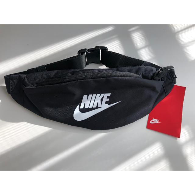 NIKE(ナイキ)のNIKE ナイキ ウエストポーチ レディースのバッグ(ボディバッグ/ウエストポーチ)の商品写真