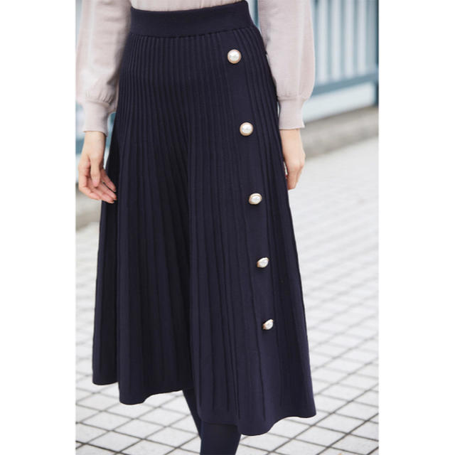 tocco(トッコ)のパール付きタック編みニットフレアスカート tocco💓 レディースのスカート(ロングスカート)の商品写真