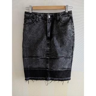 チープマンデー(CHEAP MONDAY)のCHEAP MONDAY ブラックデニムスカート(ひざ丈スカート)