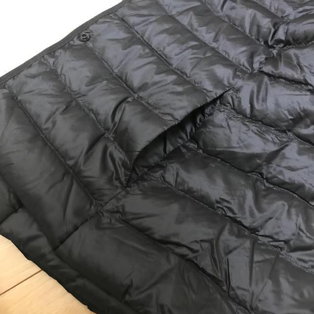 UNIQLO(ユニクロ)のユニクロ ウルトラライトダウンベスト レディース 黒 L woman Vネックに レディースのジャケット/アウター(ダウンベスト)の商品写真
